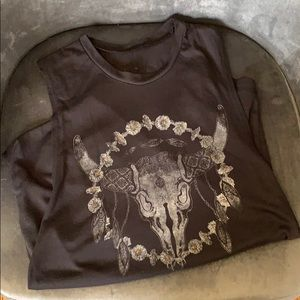 Tank top with longhorn skull and floral design